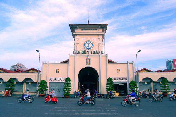 Ben Thanh market 2 598x400 - Chợ Bến Thành ở đâu? Kinh nghiệm tham quan chợ Bến Thành